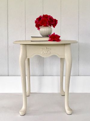 Vintage Accent Table for Sale in Glenwood, MD