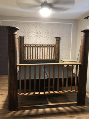 Wood Four Poster Bedframe Only - Queen for Sale in Phoenix, AZ