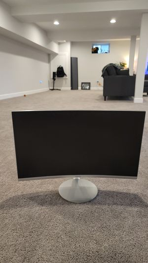24inch Samsung Curved Monitor (Not Working) for Sale in Wheaton, IL