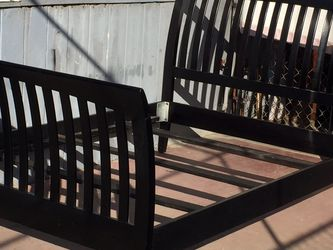 Black Full XL Bed Frame In Good Condition for Sale in Fresno,  CA