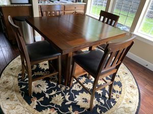 Ashley Hardwood Dining Room Table, Sears 6. for Sale in Steilacoom, WA