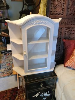 Small Wall Cabinet for Sale in Tualatin,  OR