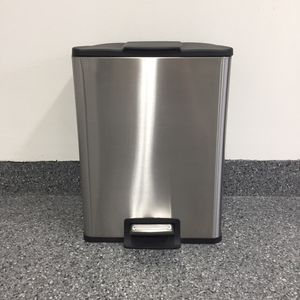 Stainless Steel 13 Gallon Trash Can for Sale in Lake Forest, CA
