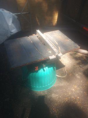 Small Black & Decker table saw for Sale in Livonia, MI