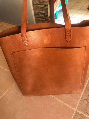 Madewell tote 100% Leather. for Sale in El Cajon, CA