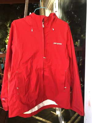 Patagonia jacket size L women new for Sale in Oakland, CA
