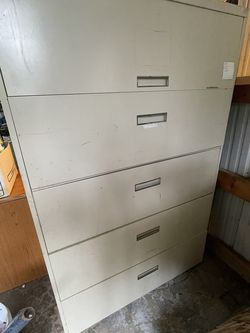 Metal Cabinet for Sale in Lakebay,  WA