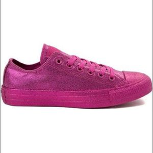 Converse All Star Size 7 Womens Low Top Hot Pink for Sale in Reedley, CA