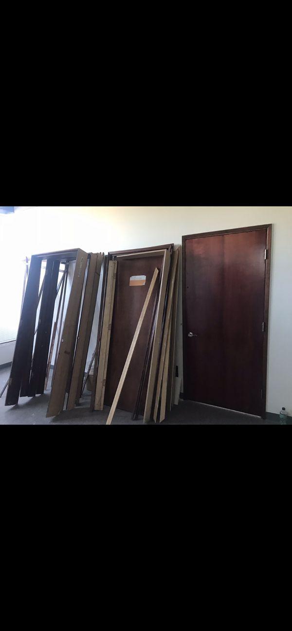 "Excellent condition solid wood doors 🚪 36""/80"""