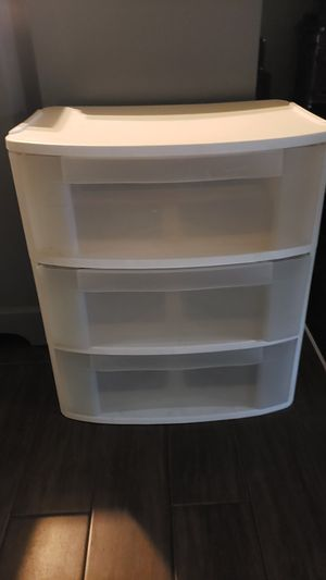 plastic 3 drawer for Sale in Houston, TX