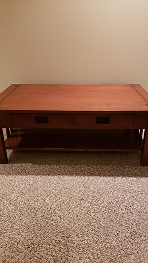 Coffee table and end table for Sale in Helena, AL
