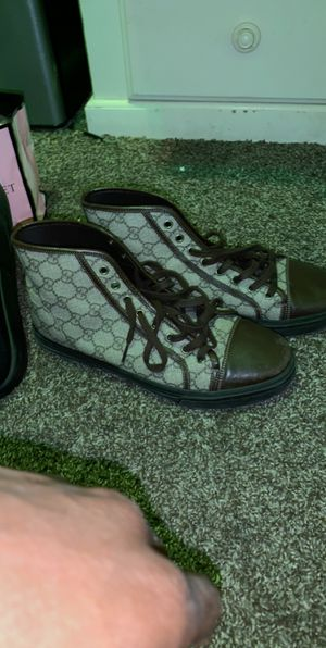 Gucci shoes 8.5 for Sale in Silver Spring, MD