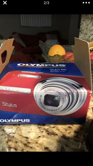 Olympus digital camera in a box with all the accessories for Sale in Miami, FL