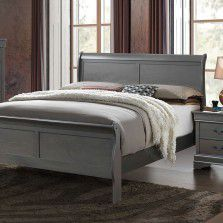 Beautiful Sleigh Bed for Sale in Medford, OR