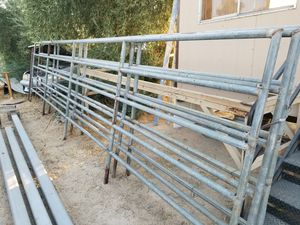 Panels. Corral. Ranch farm 20x6. 5 rails for Sale in Pearblossom, CA