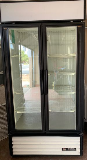 Great working True FreeZer nice and cold clean runs on 220 for home or store for Sale in North Las Vegas, NV