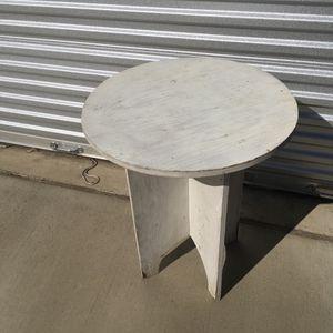 Side table 26 t x 22 w for Sale in Jenks, OK