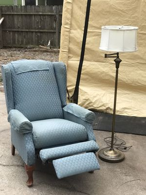 Lazy boy women's recliner and stand up brass lamp for Sale in Wichita, KS