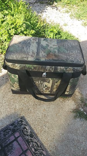 ARCTICZONE ARMY COOLER for Sale in St. Louis, MO