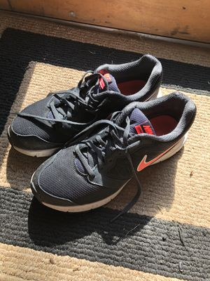 Women's Nike gym shoes for Sale in Bolingbrook, IL