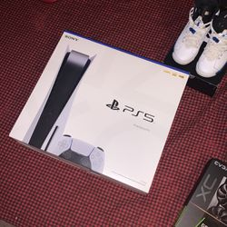 Ps5 DISC VERSION for Sale in Aurora,  CO