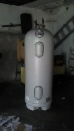 Water heater 50gal for Sale in Gig Harbor, WA