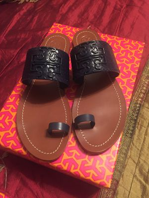 Tory Burch Leather Navy Melinda Toe ring shoe for Sale in San Antonio, TX