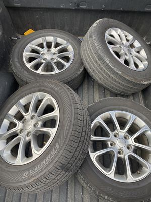 Jeep gran cherokee Rims 265/60/18 for Sale in San Diego, CA