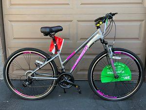 """Schwinn Women's Trailway 28"""" Hybrid Bike for Sale in Garden Grove, CA"""