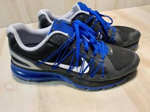 Mens Air Max Size 10 Running Training Gym Shoes 0105500922 NIKE **USED for Sale in Live Oak, TX