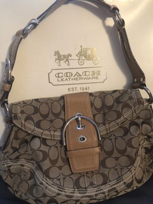 Coach Soho Hobo Signature flap w/buckle Set for Sale in Auburn, WA