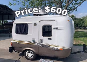 This Is A Very Light 1984 Rare vintage camper.$600 for Sale in Colorado Springs,  CO