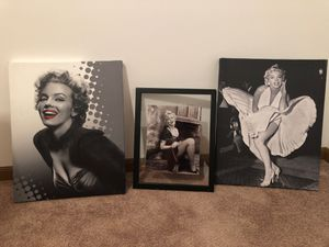 Marilynn Monroe canvass. In real good condition. $25 for Sale in Fairmont, WV