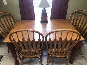 Kitchen table & chairs with leaf (not pictured) for Sale in Apopka, FL