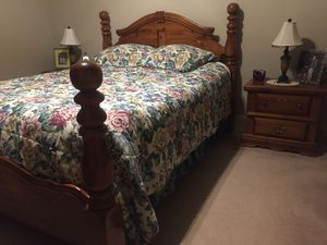 Samuel Lawrence Queen/ Full Bedroom Set for Sale in Starkville, MS