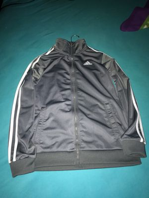 Large adidas kids jacket for Sale in Visalia, CA