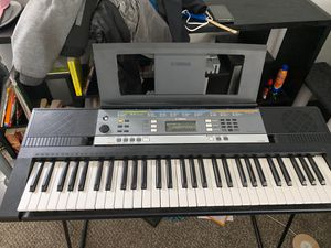 Yamaha YPT 240 Keyboard + Stand for Sale in Englewood, CO