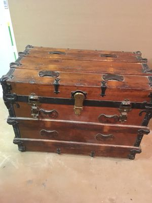 Vintage Steamer Trunk for Sale in New Britain, CT