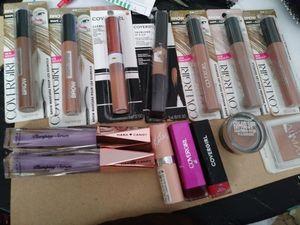 Brandnew makeup. And brushes. for Sale in Billingsley, AL