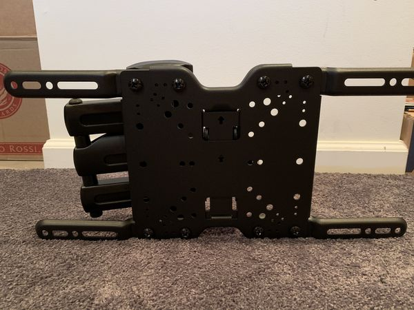 Full motion tilt and swivel tv wall mount