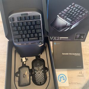 New in box GameSir VX2 aimswitch gaming keypad for Sale in Peoria, AZ