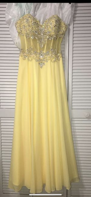 Yellow Strapless Prom/15s dress Size6 for Sale in Miami, FL