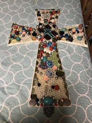Vintage cross for Sale in Victoria, TX