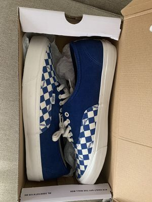 Vans Og Authentic Lx shoes for Sale in Moreno Valley, CA