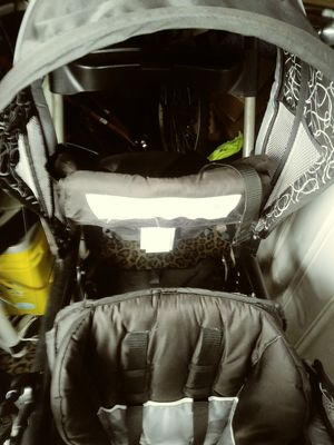 Baby Stroller Graco Double seater 60-40- back to back or reverse r=r for Sale in Beaverton, OR