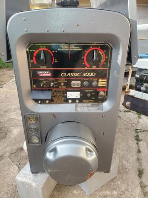 Lincoln welder classic 300D Diesel Kubota engine 5449 hours 6300 for Sale in Pasadena, TX