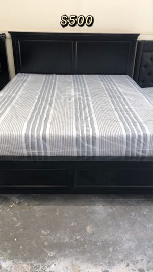 KING BED FRAME W/ MATTRESS INCLUDED for Sale in Culver City, CA