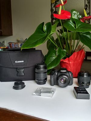 CANON REBEL T5i BUNDLE TOUCH S for Sale in Lake View Terrace, CA