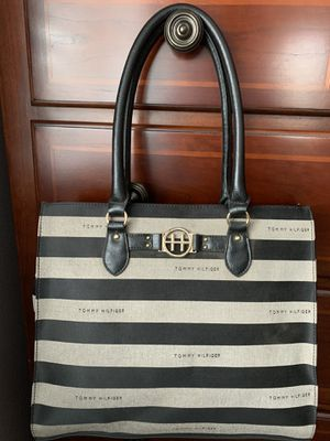 NEW TOMMY HILIFIGER PURSE BROWN TAN for Sale in Fontana, CA