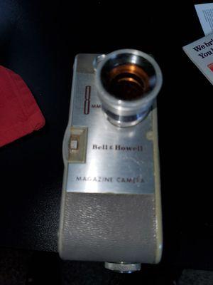 Vintage cameras and slide projector for Sale in Wyandotte, MI